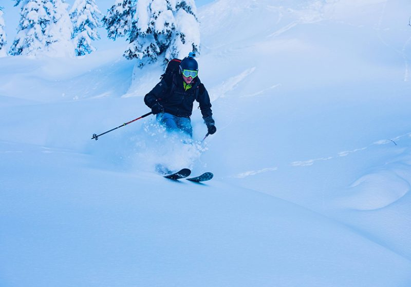 Freeride, sciatore nella neve - outdoorsoul.it